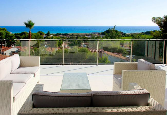 Villa with Mediterranean Views and Mini GOLF