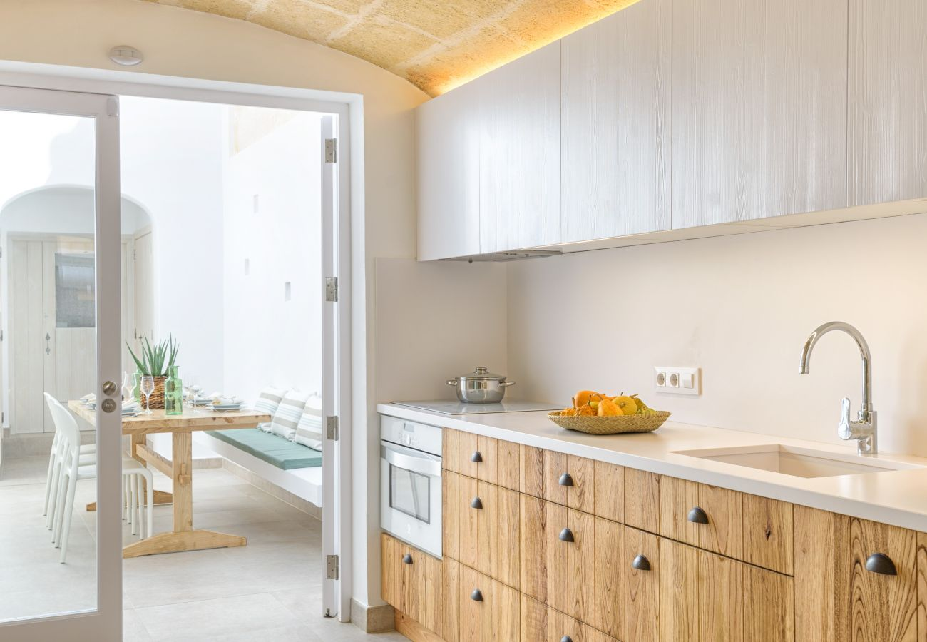 Kitchen in Sa Pont equipped with everything you need for your stay in Menorca.