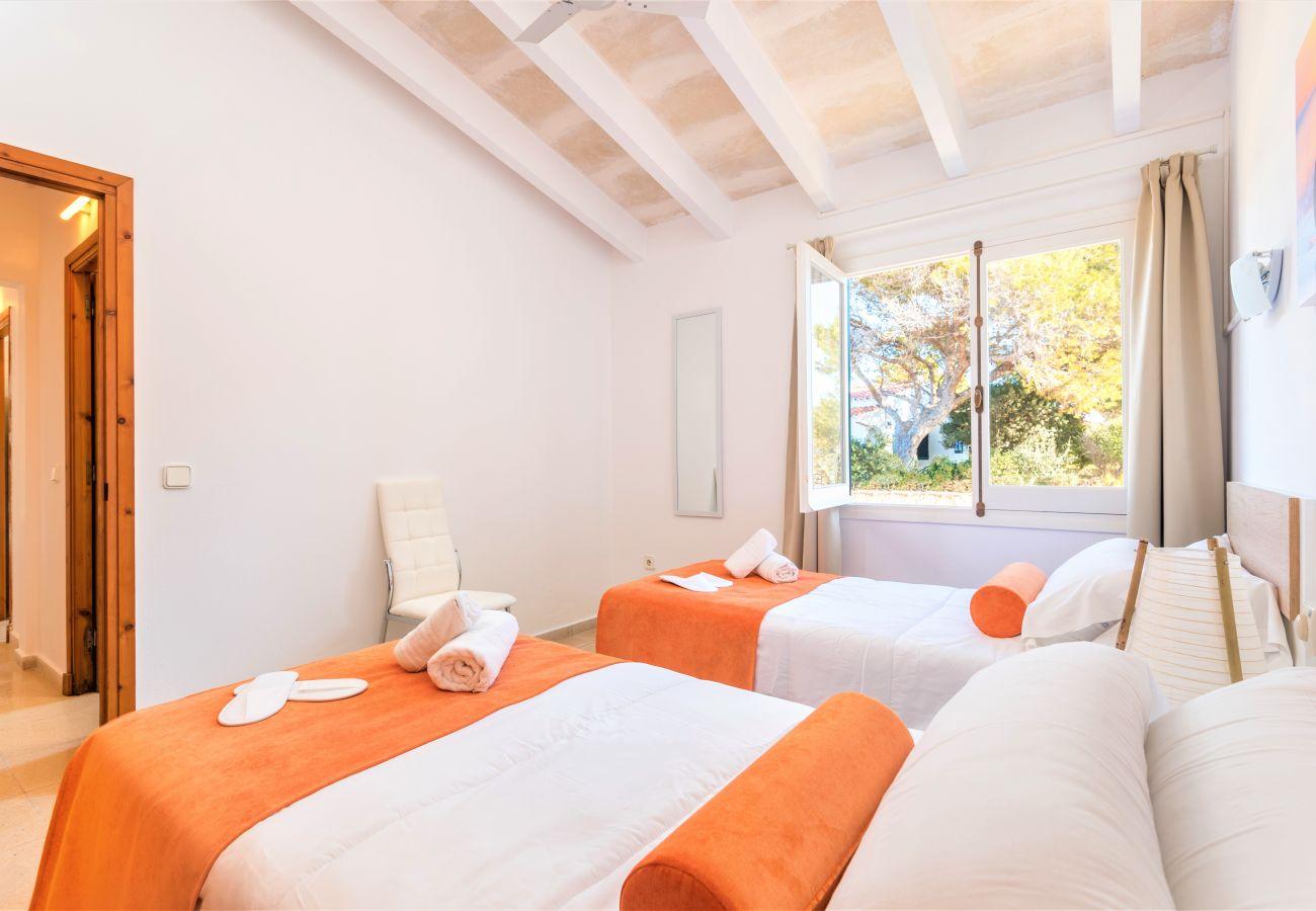 Apartment in Cala´n Blanes - Menorca-APTO I / C.BRUT