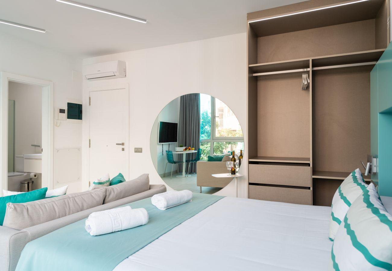 Apartment in Las Palmas de Gran Canaria - Edison Building 102 By CanariasGetaway