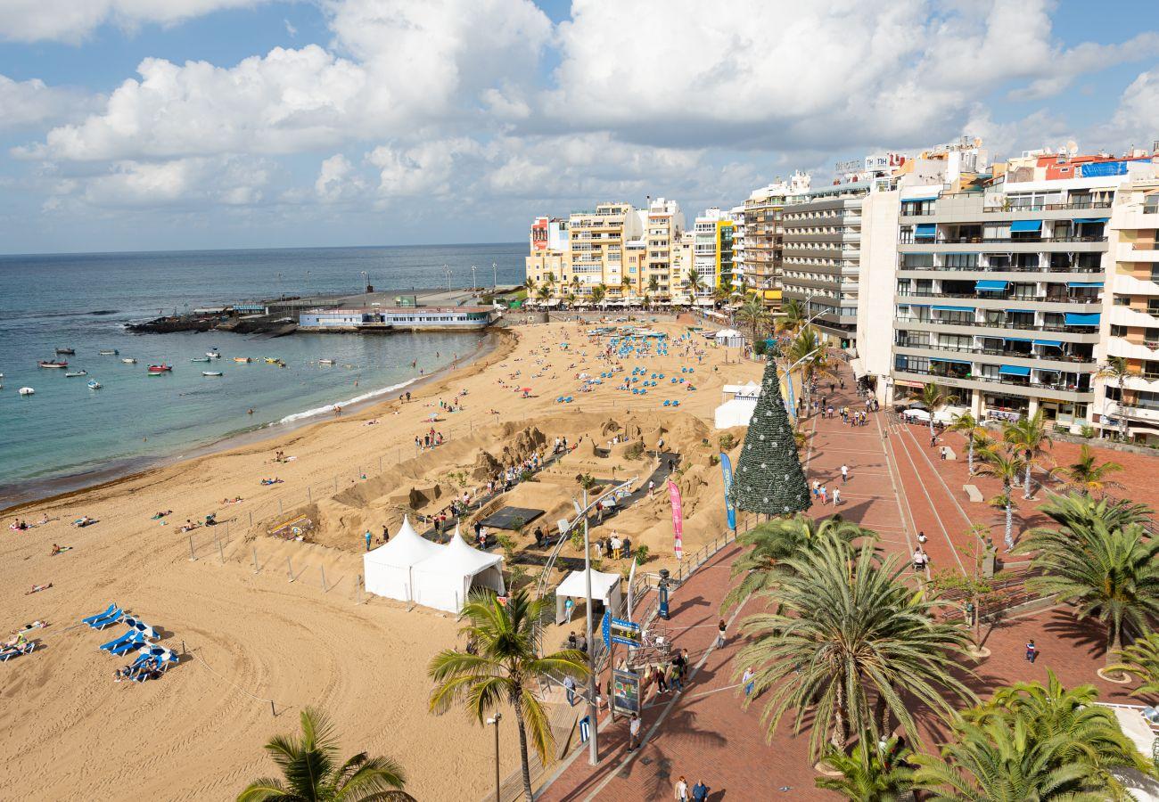 House in Las Palmas de Gran Canaria - Awesome 3BR beachfront terrace By CanariasGetaway