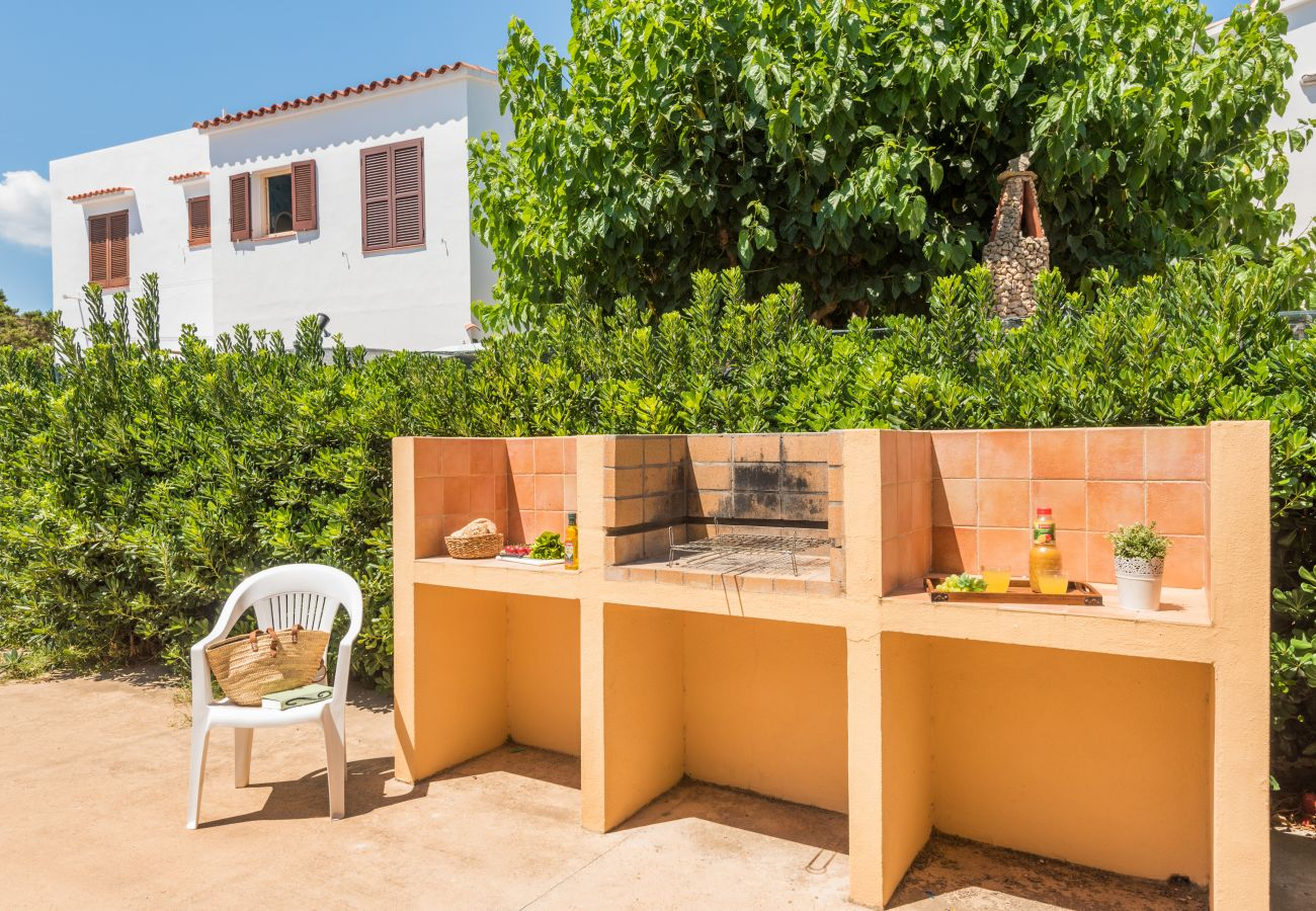 outdoor barbecue to enjoy the food and the good weather in Menorca
