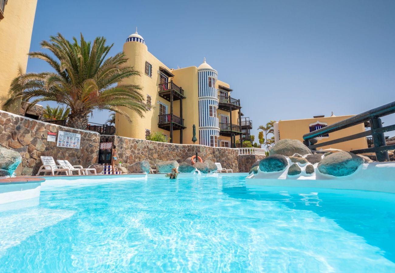 Apartment in San Bartolomé de Tirajana - Altamar 44 balcony&pool By CanariasGetaway